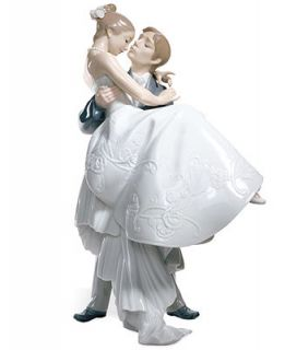 Lladro Collectible Figurine, The Happiest Day   Collectible Figurines