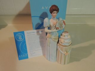 2007 Avon Mrs Albee Award Figurine President Club 40th Anniversary