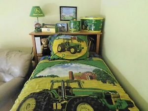 John Deere Pre Owned Twin Denim Bedding Lamp 2 Bookcases Clock Tractor Etc