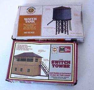 2 Vintage HO Scale Model Train Building Kits Plasticville Water Tank AHM Tower