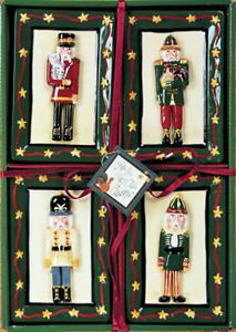 Nutcracker Merry Olde Christmas 3D Mini Plates Set