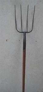 Vintage 4 Tine Pitchfork Keen Kutter Farm Tool Garden