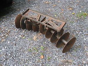 Suburban Catogoery 0 3 Point Hitch Disc Lawn and Garden Tractor