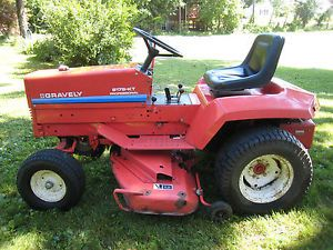 "Gravely Lawn Tractor 50""Mower 48"" Snow Plow Chains Original Owner"