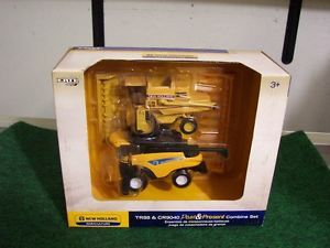Ertl 1 64 New Holland Farm Toys Combine Set Past and Present