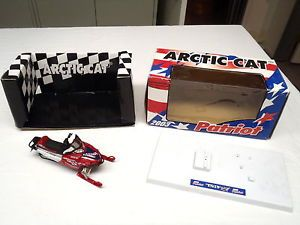 2003 Arctic Cat Firecat Patriot Snowmobile Diecast Toy Artic Model Collectible