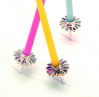 daisy party cake candleholders by vivi celebrations
