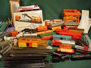 Huge Lot Vintage 1970s Tyco Bachmann HO Train Cars Track Parts Accessories