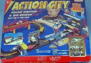 Realtoy Action City Police Station Big Bridge