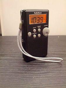Radio Shack 12 587 Digital Am FM Pocket Radio