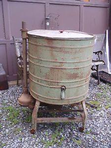 Antique Wringer Washing Machine on Wheels Motor Hit and Miss Engine