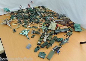 Lot of Plastic Military Army Men Soldiers Vehicles Tanks Fences Toy 1 3 4""