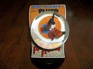 Disney Pin Chip Dale Food