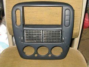 2002 Ford Explorer Radio Temp Control AC Vent Vents Trim Bezel