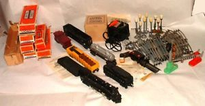 1950s Lionel O Scale Train Set with No 2065 Engine More Boxed Items Nice