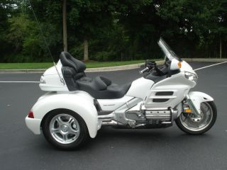 2013 Honda Gold Wing Pearl White Champion Trike Conversion