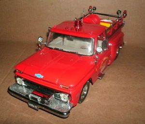 1 18 Chevy C20 Fire Truck Diecast Model 1965 Chevrolet C 20 Pick Up Truck