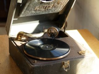 Antique Brunswick Wind Portable Crank Phonograph Record Player Vintage Audio USA
