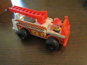 Vintage Fisher Price 720 Fire Engine Little People Ladder Truck 1968 Bell Hose
