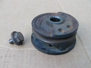 Kubota D722 Diesel Engine Crankshaft Pulley Balancer D600 WG600