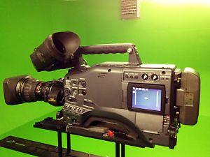 Panasonic AG HPX500 Camcorder Fujinon Lens P2 Cards Kata Case Bundle