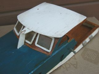 Vtg 1960s Radio Control RC Wooden Boat Model 17 1 2in Crisscraft Needs Work