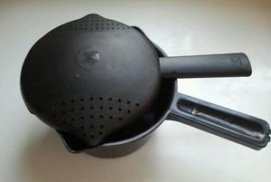 Black Pampered Chef 1 Qt Microwave Steamer with Lid Strainer Micro Cooker