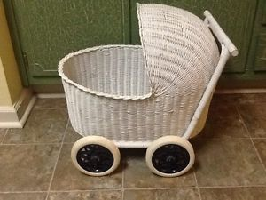 "Vintage Baby Doll Buggy Stroller w ""Removable Bassinet"" White Wicker 21""x 19"""