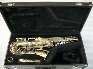 Yamaha YAS 23 Alto Saxophone with Case Accessories Sax Excellent Condition