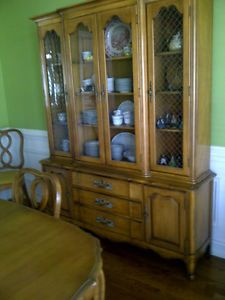 Thomasville Dining Room Vintage Antique Pecan Table Chairs China Cabinet 50'S