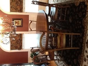 """Ethan Allen Dining Table and 6 Chairs French Country 74"""" x 54"""" Oval with Leaf"""