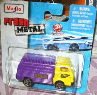 2011 Maisto Fresh Metal Purple Yellow Gold Extreme Sports Drink Delivery Truck