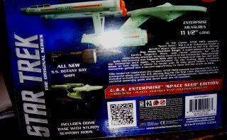 Star Trek USS Enterprise 1701 1 1000 Scale Snap Kit Space Seed Edition New 2013