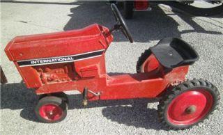 Vintage IH 1970's Ertl 404 International Harvester Pedal Tractor Car Complete