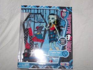 Monster High Frankie Abbey with 3 Outfits New Release in Hand Tru Exclusive