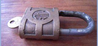 Antique Yale Towne Padlock Lock w Key Super Pin Tumbler Heavy Duty