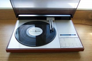 Bang Olufsen Beogram 4002 Linear Tracking Stereo Turntable