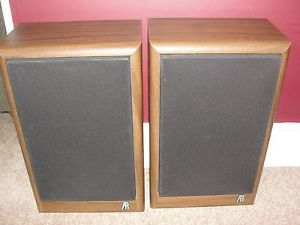 Vintage Pair Classic Acoustic Research Model AR 18B Bookshelf Speakers