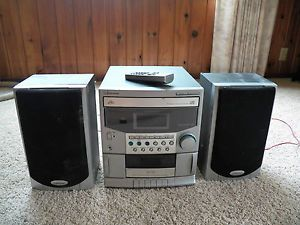 Emerson 3 Disk CD Compact Disc Shelf Stereo System Radio MS9838 Tape Amfm Remote
