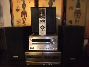 Onkyo Mini Shelf Stereo System Am FM Tuner Amp CD 2 Speakers Woofer Remote