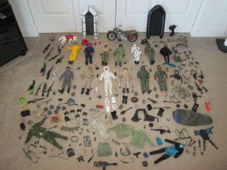 Big Lot of Military Action Figures Dog Rafts Motorcycle Accessories Gi Joe