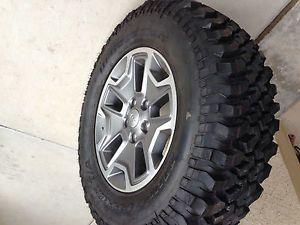 Jeep Rubicon Wheels and Tires 2013 Near New Set of 5 w BFG Mud Terrain KM1