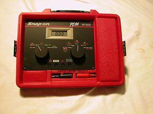 Snap on MT500 Digital Megaohm Volt Meter Tach Dwell Duty Cyle Ampmeter w Manual