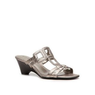 Kelly & Katie Quadrate Sandal: Shoes