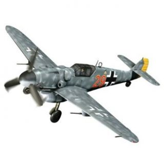 Unimax Forces of Valor 1:32 Scale German BF 109G 6 Red 29: Toys & Games