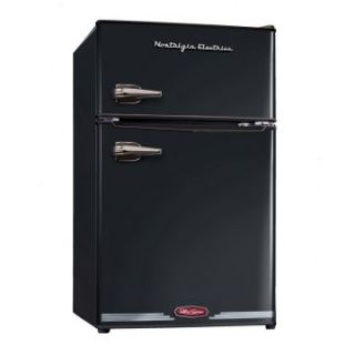 Nostalgia Electrics RRF325HNBLK Retro Series 3.1 cu. ft. Compact Refrigerator Freezer   Black   Small Refrigerators