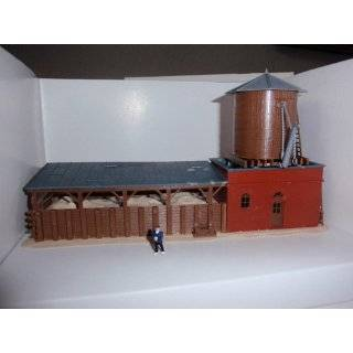 Model Power HO Scale Steam Locomotive Supply Building   Built Up Toys & Games
